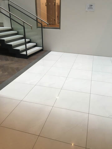Raised floors by fieldmans access floors ltd for Elevated floor