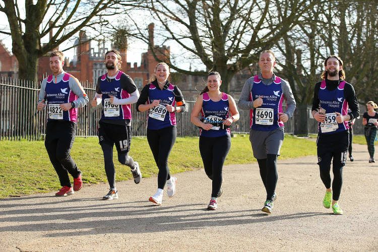 fieldmans-access-floors-employees-running-hampton-court-half-marathon