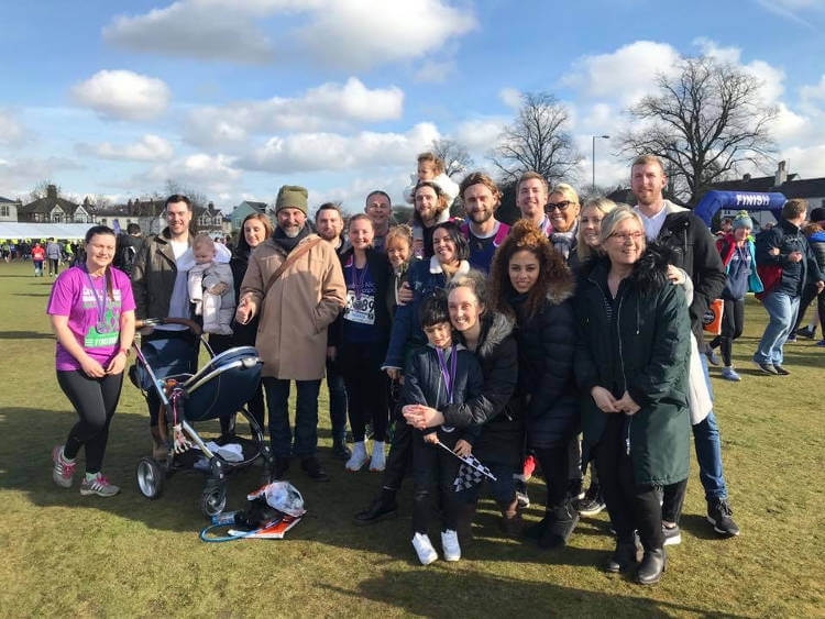 fieldmans-access-floors-employees-with-supporters-at-hampton-court-half-marathon